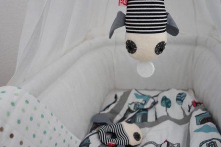 ekulele-gute-nacht-kleiner-mann-schlafplatz-baby-wiege-spieluhr-nestchen